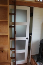 Ladder and bathroom door can be used independantly
