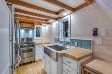 Apron sink and backsplash